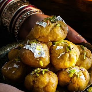 Kesar, Badam and Elychi Balushahi / Badusha - Indian Style Spiced Crispy Doughnut Soaked in Sugar Syrup #Diwalispecial Recipe