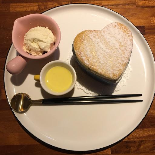十分推薦豆乳蜂蜜雞翅義大利麵! 用愛食記兌換的皇家結婚曲瑪黑茶舒芙蕾也好好吃
