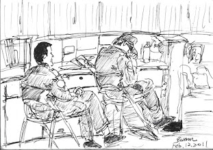 Photo: 備勤2011.02.12鋼筆 兩位備勤的替代役學弟坐在中央台一偶,寒冷的氣溫令其中一位不斷搓著手取暖。