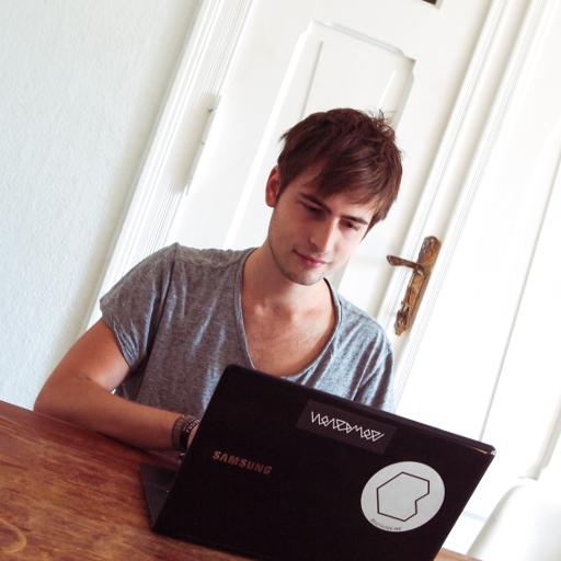 Simon Schubert avatar image