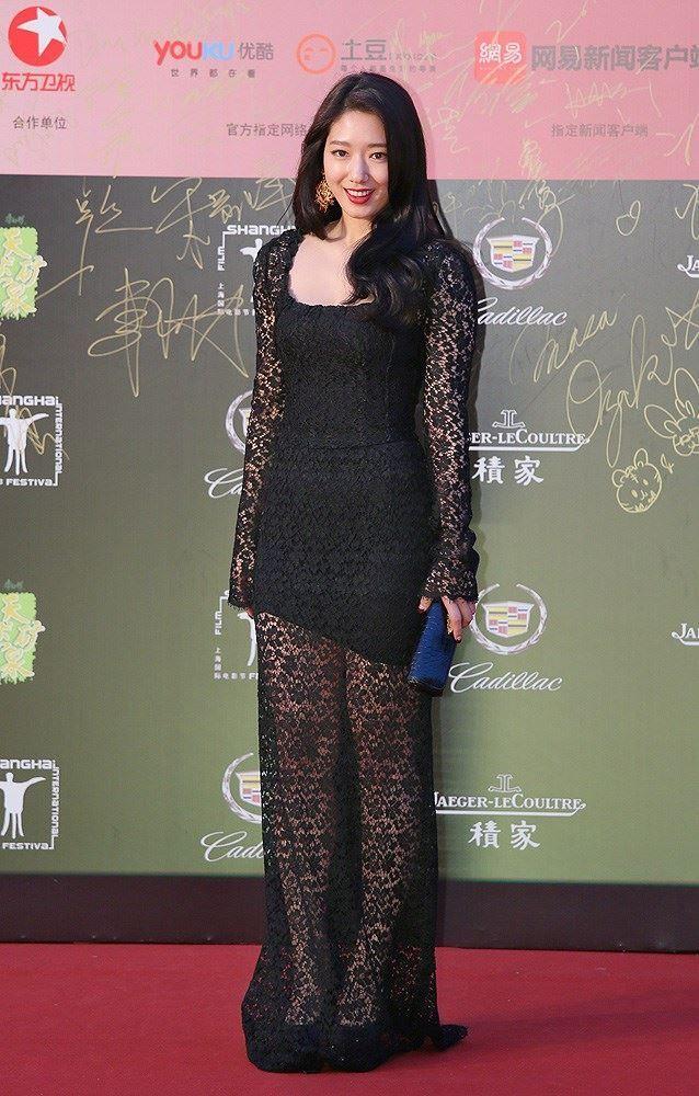 shinhye gown 30