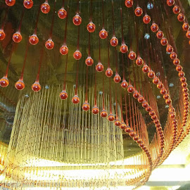 by Tiffany Wu - Artistic Objects Glass