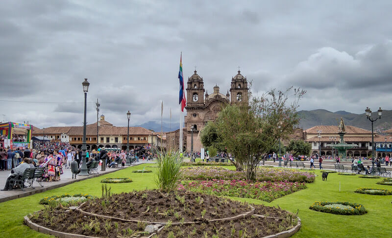 plaza de armas cusco central square Iglesia de Compañía de Jesús Church Society jesus church Cusco inca cusco peru