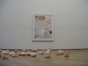 Photo: SEX, SEX, SEX. NEIN, NEIN, NEIN. Der vierte Salon des Arts - Lobbing Rolls at a Holzer live (nach Rodney Graham) Performance Lisa Holzer