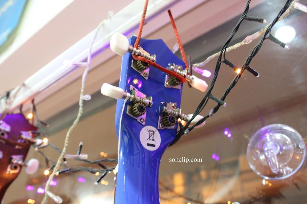 Đàn Ukulele - Playtech Blue