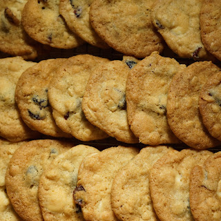 DRIED CRANBERRY, WHITE CHOCOLATE CHIP COOKIES