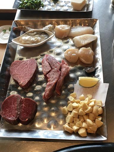 日本和牛頂級饗宴! 誠心建議點選和牛菲力,和牛上蓋肉實在太油膩了!