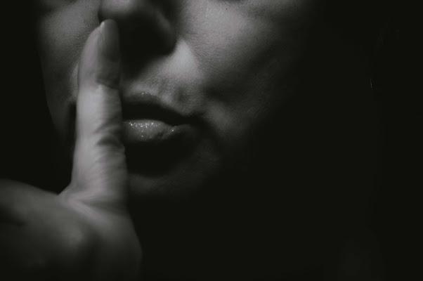 Shhhhh..... di  cristina masoni