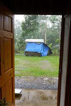 Photo: Blick aus dem Hinterausgang des Büros in...den Regen :(