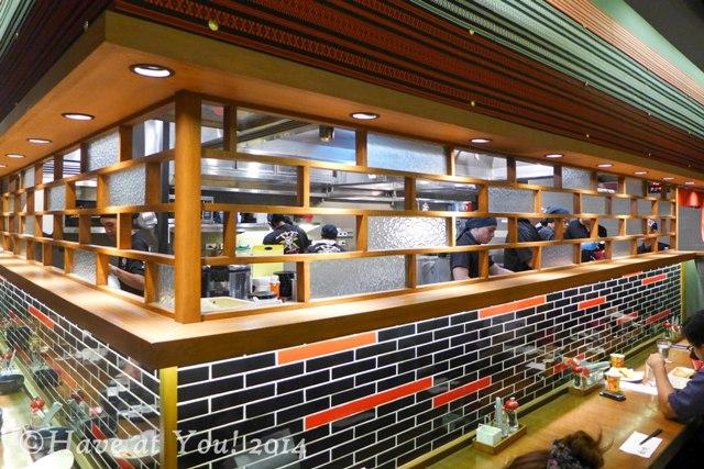 Ippudo Megamall interiors