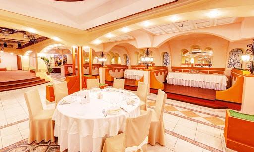 Банкетный зал Ресторан «Измайловский двор» на природе