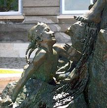 Photo: Fragment fontanny Chłopiec z rybą na zamku królewskim w Budapeszcie (malarsko)
