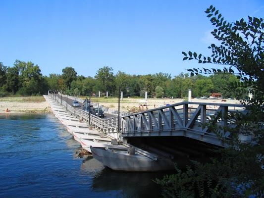 Ponte di barche di marina.rovere