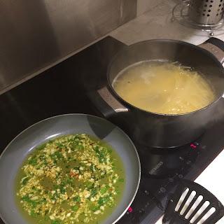 Spaghetti Al Aglio, Olio E Peperoncino