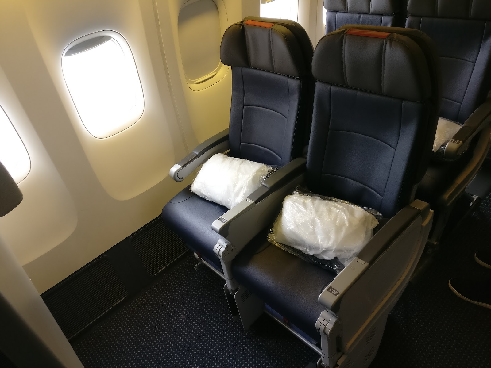 Flight Review Main Cabin Extra Row 20 On American S 777