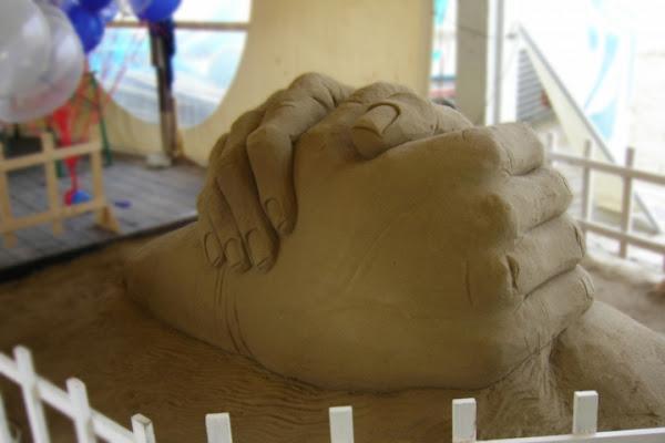 Il gigante di sabbia... di MIRCOGRASSI