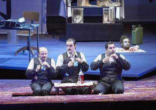 Photo: Wiener Staatsoper: TURANDOT. Inszenierung: Marco Arturo Marelli. Premiere 28.4.2016. Norbert Ernst. Gabriel Bermudez. Carlos Osuna. Copyright: EWener Staatsoper/ Michael Pöhn