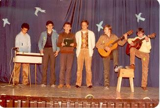 """Photo: JUAN CARLOS GARCIA PASCUAL IDENTIFICA: TEATRO 1982 3 Javier Carballo (dominico, actual P. Provincial); 4 """"Chuso""""; 6 Manuel."""