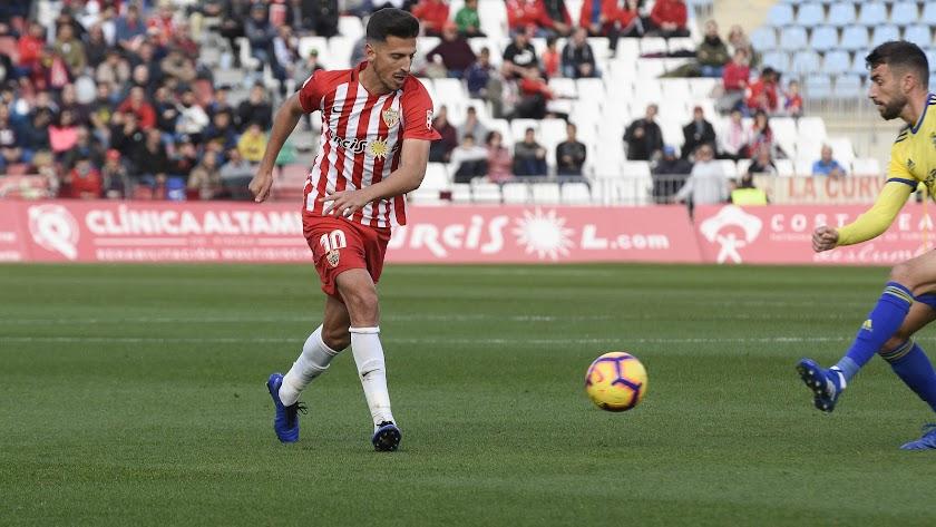 Juan Carlos en su última actuación con el Almería frente al Cádiz.
