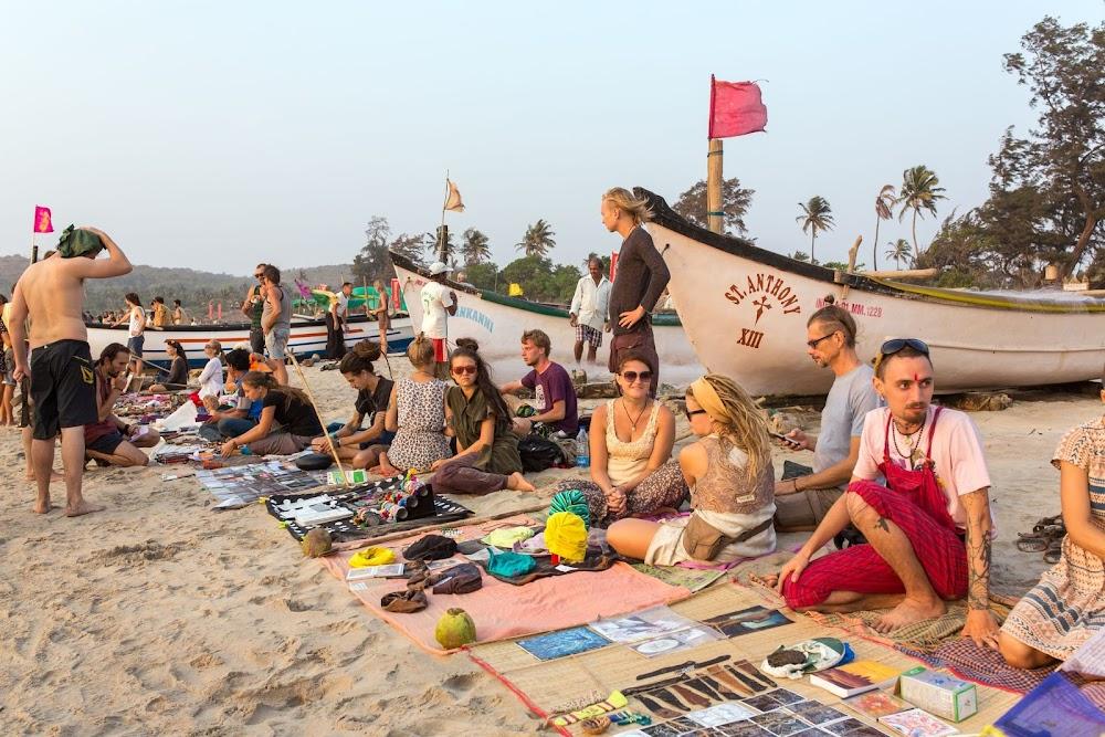 arambol_beach_sunset_market