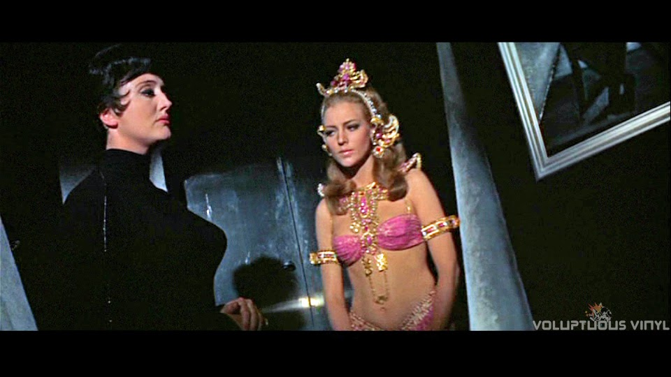 Joanna Pettet as Mata Bond in Casino Royale