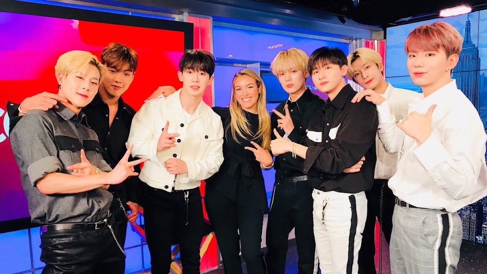 billboard social 50 august monsta x