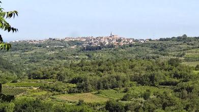 Photo: Die Landschaft gleicht der Toskana. Wir haben noch einmal viele Steigungen zu fahren. Ein ständiges Auf und Ab.