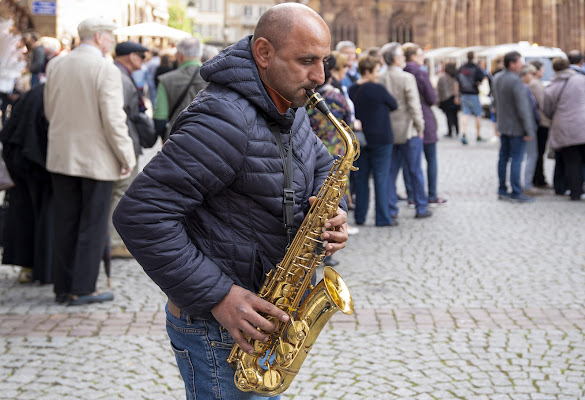 Il sassofonista di strada. di frapio59