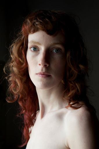 Laure Ledoux, Les yeux sombres, Anne