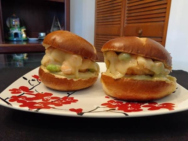 I Made Sandwich With Shrimp And Edamame Kakiage Tempura. For Sauce, Soy Sauce, Mayonnaise And Wasabi. Top With Swiss Cheese And Let The Cheese Melt. Crispy And Rich Flavored Tempura And Melting Cheese Satisfy You A Lot.