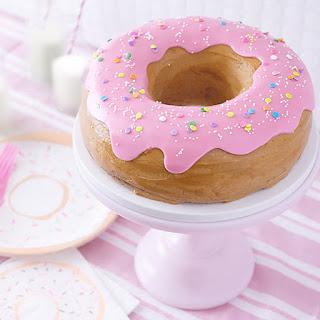 DONUT CAKE.