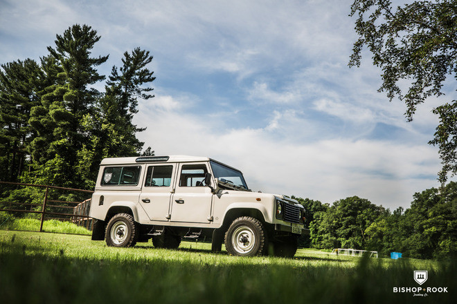 Land Rover Defender 110 Hire MN