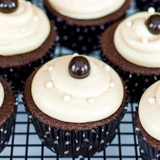 Black and Pearl Cupcakes