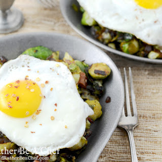 Bacon Sprout Hash & Fried Egg - Yum Goggle
