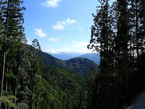 谷間からの展望(奥が南アルプス深南部)