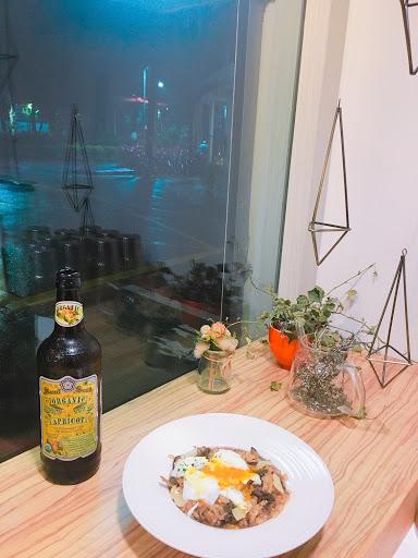 水波蛋牛肝菌野菇燉飯很好吃,配上森林花香啤酒,完美的一餐❤️🎂