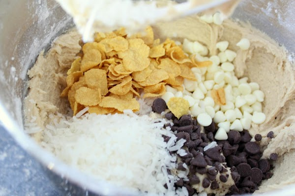 Chips, cereal and coconut mixed with cookie dough