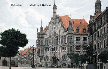 Photo: Rathaus am Markt um 1908 mit der Kornstraße