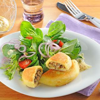 Kartoffelpiroggen mit Pilzfüllung