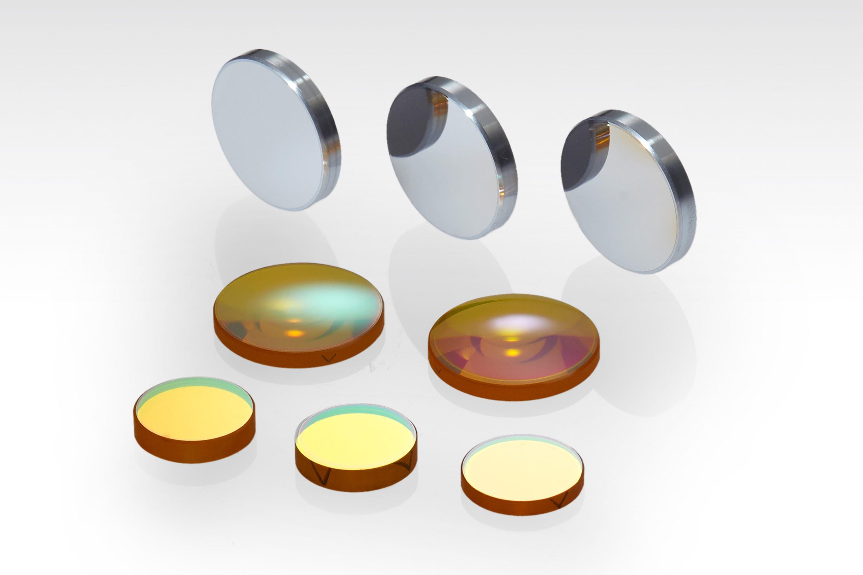 硬質複層コーティング光学部品