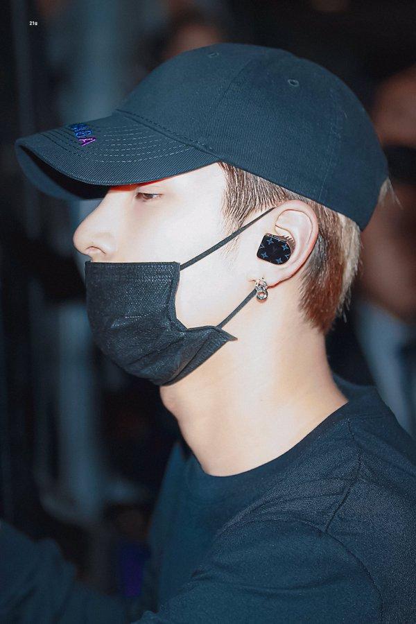hangyul seungyoun shirt 3
