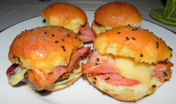 Hawaiian Roll Ham Sliders Recipe