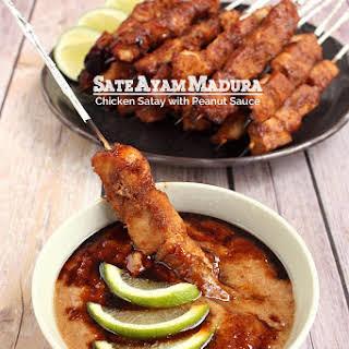 Sate Ayam Madura - Chicken Satay with Peanut Sauce.