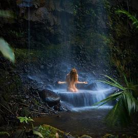 by Ember Shanti - Nudes & Boudoir Artistic Nude