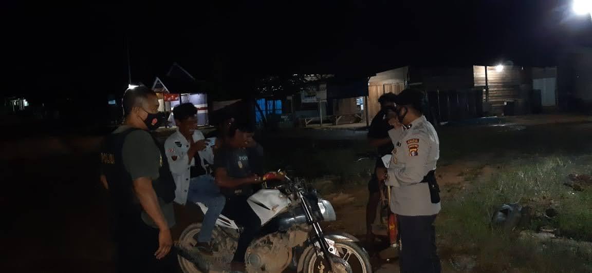 Antisipasi Pertambangan Tanpa Izin Anggota Polsek Aruta Lakukan Patroli Malam