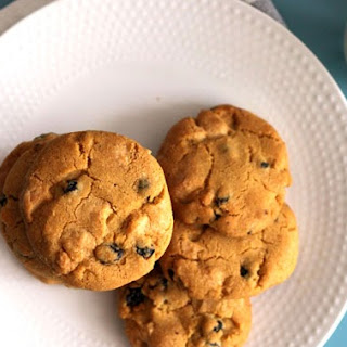 White Chocolate & Blueberry Brown Butter Cookies