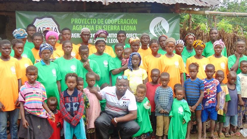 """El """"Proyecto MADINA"""", es una iniciativa sin ánimo de lucro que tiene como objetivo la producción de arroz en una aldea de Sierra Leona."""