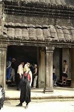 Photo: Doreen Wolff bei der Besichtigung von Ankor Wat in Kambodscha