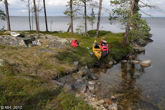 Photo: Tavesaaren luoteislaidalla pitämässä soppataukoa ennen selän litystä Kärppäsaaren suuntaan. 2.8.2010