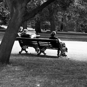 park in london, by Franky Vanlerberghe - Black & White Portraits & People ( london,  )